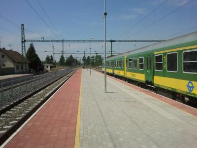 Szentgotthárd állomás átépítésénél-Peronépítés