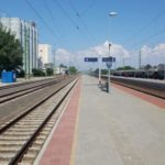 Kisújszállás-Püspökladány vasúti vonalszakasz átépítésénél Törökszentmiklós állomás peron és életvédelmi kerítés építési munkálatok