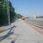 Kisújszállás-Püspökladány vasúti vonalszakasz átépítésénél Püspökladány állomás peron és életvédelmi kerítés építési munkálatok