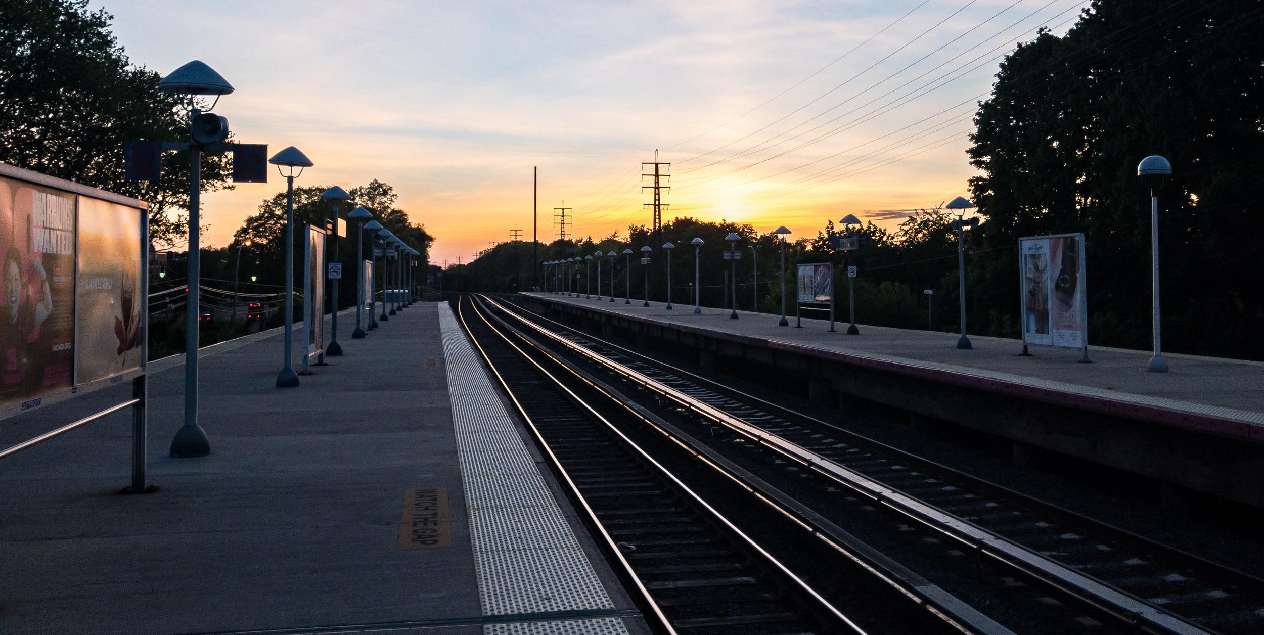 Vasút és peronépítés